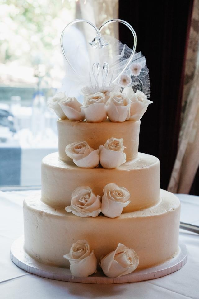 Rainbow cake, vanilla buttercream, elegant