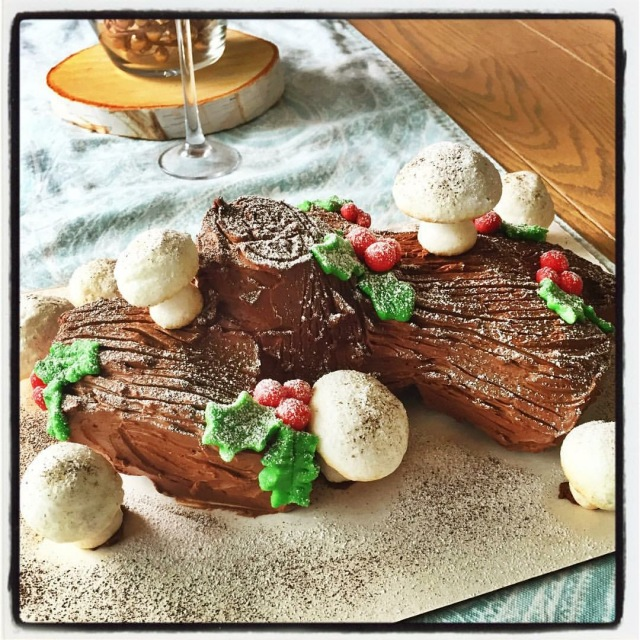 chocolate, Christmas, swiss roll, meringue, marzipan, holly berries, raspberry coulis, holidays